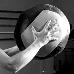 https://www.gloveworx.com/blog/medicine-ball-slam-exercise/
